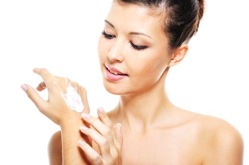Vitaminas Essenciais para Mãos e Unhas (1)