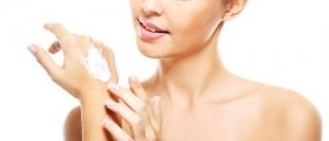 6 Vitaminas Essenciais para Mãos e Unhas